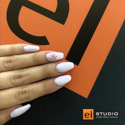 manichiura unghii albe